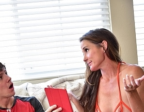 SofieMarieXXX/Caught_Jerking_3_Blackmail_Mom